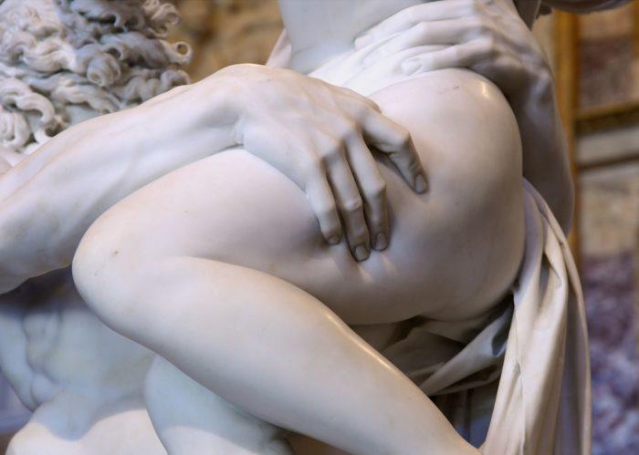 プロセルピナの略奪 ベルニーニ ボルゲーゼ美術館 イタリア ローマ 大理石で出来た彫刻の指の食い込みが凄い