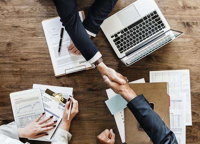 誰と仕事をするのかについての研究では、より実践的にオリジナルな組織を作り価値を生み出すための知識を得る事が出来る。