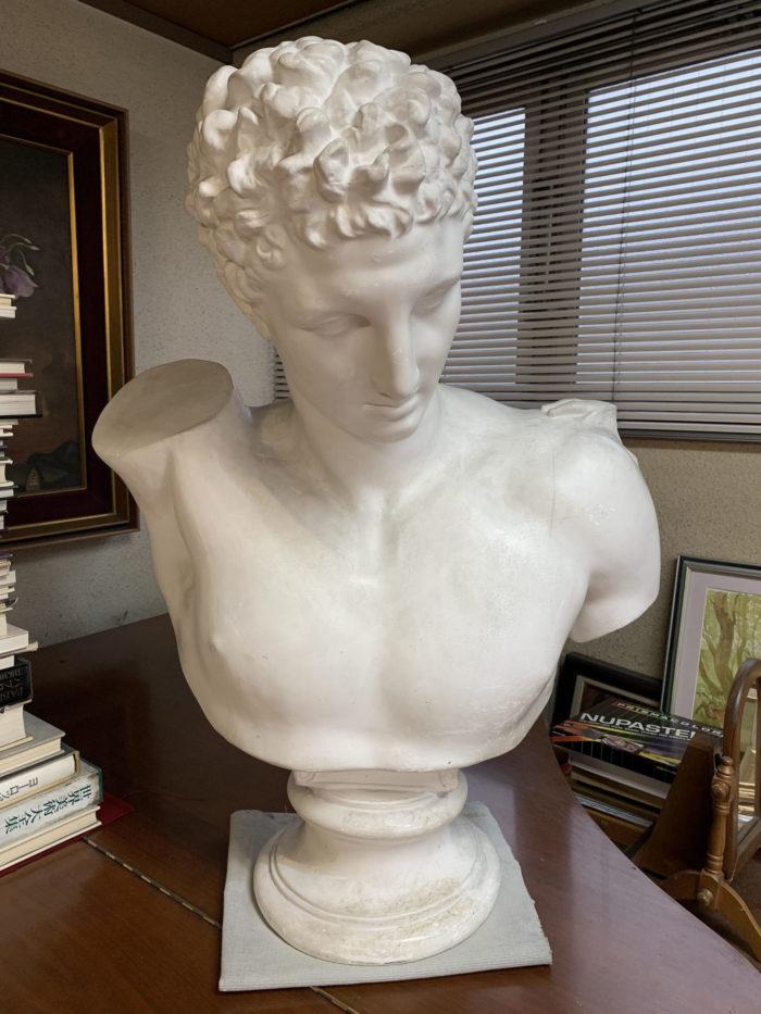 【石膏物語】ヘルメス胸像 ギリシャ神話の叡智を授ける神託の神からローマでは通信・伝令の神に